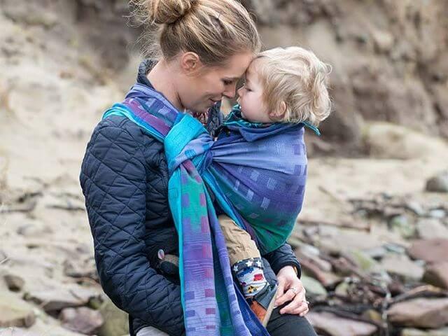 blogue agatha, portage, maman qui porte, ring sling, le portage: un tout nouveau monde pour bébé!